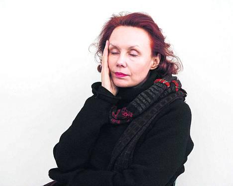 Henkilöiden sisäinen elämä kiinnostaa Kaija Saariahoa kaikkein eniten hänen uudessa oopperassaan. Säveltäjä kertoi uutuusteoksesta käydessään Helsingissä helmikuun alussa.
