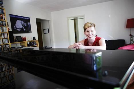 Riitta Paakki on Suomen ensimmäinen tohtorintutkinnon jazzmusiikista suorittanut pianisti. Hän selvitti tohtorintutkinnossaan vuonna 2016 muun muassa pianisti Herbie Hancockin soittoa Speak No Evil -äänilevyllä.