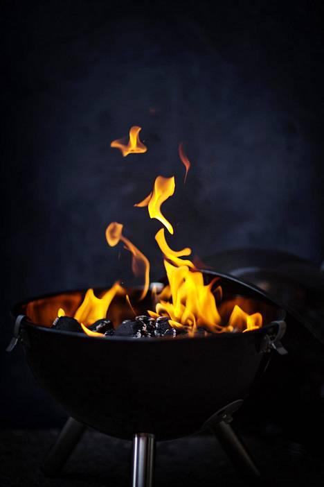 Kesällä sopii grillata varsin huoletta, kunhan ruokaa ei käristä mustaksi asti.