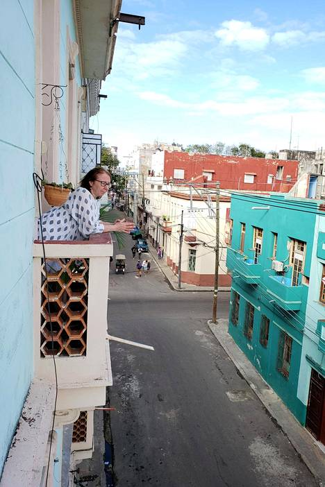 Riitta Velin osti asunnon Havannasta toissa vuonna ja vuokraa nyt sitä myös muiden matkailijoiden käyttöön.