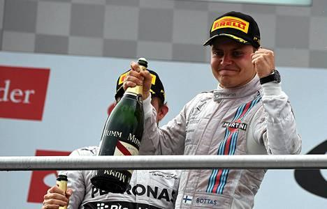 Valtteri Bottas juhli kuukausi sitten Saksan GP:ssä kakkossijaa.
