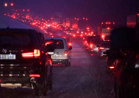 EU:n tavoitteena on päästä eroon liikennekuolemista ja vakavista loukkaantumisista vuoteen 2050 mennessä. Kuva on moottoritieltä Saksan Irschenbergista viime tammikuulta.