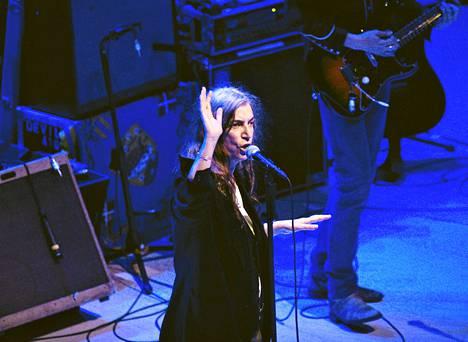 Patti Smith esiintyi Helsingin Musiikkitalolla heinäkuussa.