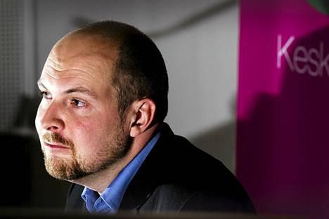 Keskustan piirijärjestöjen puheenjohtajista enemmistö on Tuomo Puumalan takana.