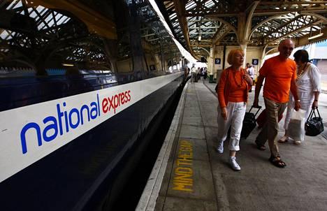 Lontoon ja Edinburghin välisen junalinjan liikennöinti on jo siirtynyt takaisin Britannian valtiolle. Kuva on vuodelta 2009.