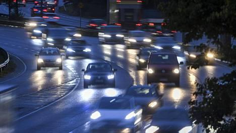 Liikenne on yksi hiilidioksidipäästöjen lähteistä.