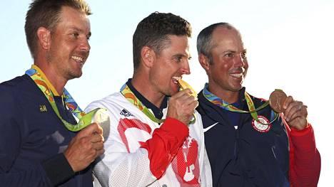 Ruotsin Henrik Stenson (vas.) voitti hopeaa, Britannia Justin Rose kultaa ja Yhdysvallat Matt Kuchar pronssia miesten olympiagolfissa.