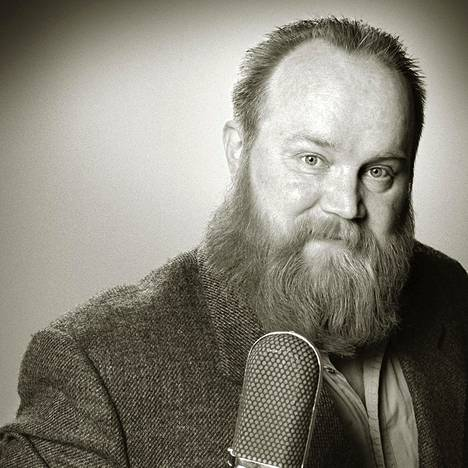 Gösta Sundqvist teki tunnustetuimman työnsä rockyhtye Leevi And The Leavingsin säveltäjä-sanoittaja-sovittaja-solistina.