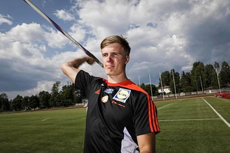 Oliver Helanderista toivotaan Tero Pitkämäen ja Antti Ruuskasen seuraajaa.