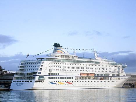 Birka Paradise -alus kuvattuna Maarianhaminassa vuonna 2004.