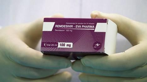Remdesiviiri-lääkepakkaus kuvattiin kesäkuussa Kairossa Egyptissä.