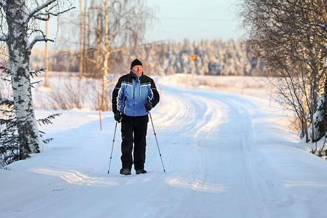 Sami Pääkkönen käy kolme kertaa viikossa dialyysihoidossa Nurmeksen keskustassa. Matkakorvausten omavastuuosuus tulee täyteen jo tammikuun ensimmäisten viikkojen aikana, hän kertoo.