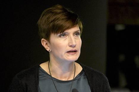 Peruspalveluministeri Susanna Huovisen mukaan Laura Rädyn väite on kohtuuton ja epätosi.