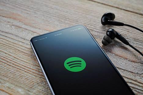 Spotifyn ilmainen versio on yksi syy suomalaisille olla maksamatta musiikin kuuntelusta.