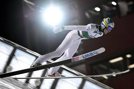 Antti Aallon hyppy ei kulkenut kilpailussa.