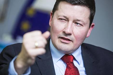 Martin Selmayr on saksalainen juristi ja Euroopan komission puheenjohtajan Jean-Claude Junckerin kansliapäällikkö.