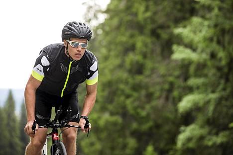 Teemu Lemmettylä kisaa Norseman-triathlonissa Norjassa lauantaina. Hänet kuvattiin viikko sitten Kuopiossa.