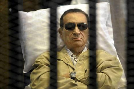 Hosni Mubarak istui kaltereiden takana oikeussalissa viime heinäkuussa.