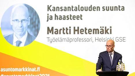 Martti Hetemäki on jatkanut uraansa työelämäprofessorina.