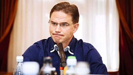 Pääministeri Jyrki Katainen surkutteli Suomen viennin tilaa Ylen haastattelutunnilla Kesärannassa.