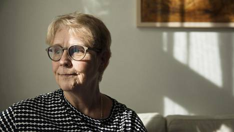 Kersti Juva on suomentanut englannista satakunta romaania, näytelmää ja muuta teosta.