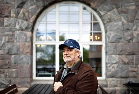Jukka Mallinen ryhtyi salakuljettamaan Neuvostoliitosta underground-kulttuuria Suomeen opiskellessaan Moskovan yliopistossa 1970-luvulla.