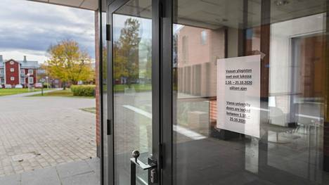 The doors of the University of Vaasa will remain closed at least until October 25.