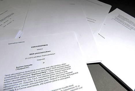 Taloussanomien selvityksen mukaan valtiovarainministeriöllä olisi vielä julkistamatta arviolta 25 vakuusjärjestelyyn olennaisesti liittyvää asiakirjaa.