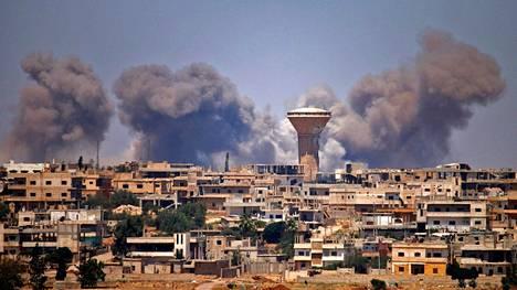 Syyria | Venäjä palkkasi antautuneita kapinallisia taistelemaan al-Assadin hallituksen puolella Isisiä vastaan ja välitti rauhan Daraan – Nyt kaupunki on jälleen taisteluiden vallassa
