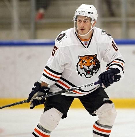 Kristian Kuusela jäi viime keväänä niukasti MM-joukkueen ulkopuolelle, mutta on nyt mukana marraskuun Karjala-turnauksessa. Hän edustaa Amur Habarovskia.