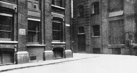 Catherine Eddowesin surmapaikka kuvattuna noin vuonna 1928.