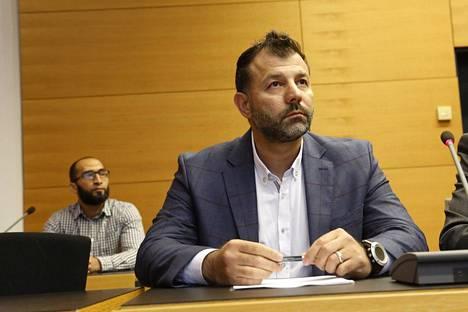 Rami Adham tuomittiin käräjillä ehdottomaan vankeuteen.