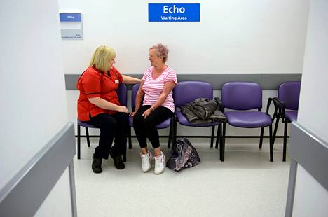 Sydänongelmista kärsivä Janet Archer on ollut saman sairaalan potilas jo 14 vuotta. Ylihoitaja Diane Lashwood on tullut hänelle tutuksi.