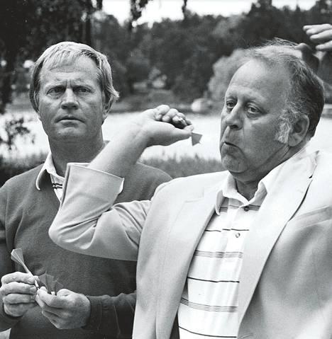 Jack Nicklaus (vas.) ja Heikki O. Salonen Suomessa 1987.