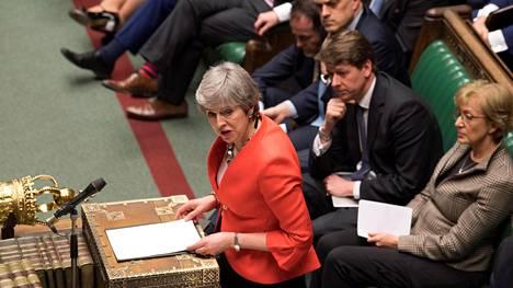 Pääministeri Theresa May puhui tiistaina parlamentissa sen jälkeen, kun hänen neuvottelemansa brexit-sopimus kaatui jälleen kerran. May toivoi, että Britannia ei lähtisi ainakaan ilman sopimusta EU:sta.