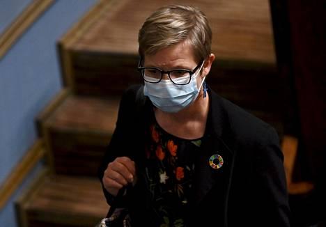 Ympäristö- ja ilmastoministeri Krista Mikkonen (vihr) eduskunnan suullisella kyselytunnilla 27. toukokuuta 2021.