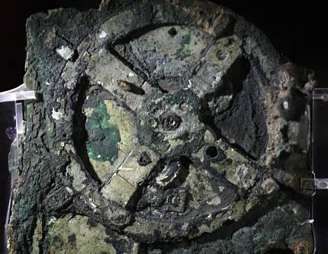 Antikytheran mekanismi löytyi hylystä. Se oli maannut vuosisatoja merivedessä.