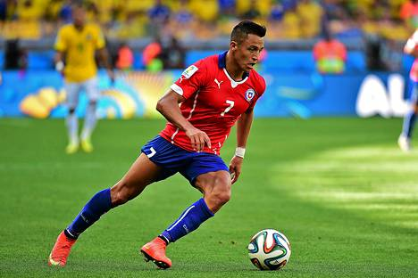 Chileläishyökkääjä Alexis Sanchez teki kaksi maalia tänä viikonloppuna huipentuvissa jalkapallon MM-kisoissa. Chilen kisat päättyivät tappioon neljännesvälierissä.