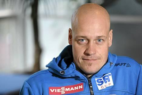 Ampumahiihtomaajoukkueen päävalmentajan Marko Laaksosen mukaan Kaisa Mäkäräisen hiihto on tällä hetkellä suvereenia.