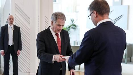 Pääministeri Juha Sipilä jätti hallituksensa eronpyynnön presidentti Sauli Niinistölle 8. maaliskuuta.