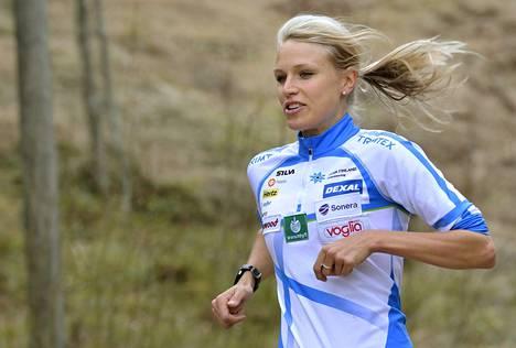 """Minna Kauppi haluaa yhä voittaa ja menestyä suunnistuksen arvokisoissa. """"Aina voi olla parempi."""""""