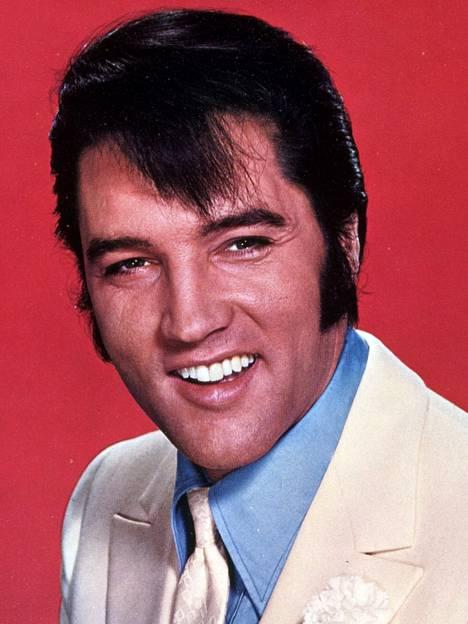 Elvis Presley herättää hypetystä vielä vuosikymmeniä kuolemansa jälkeen.