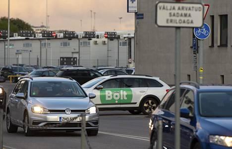 Virolainen taksipalvelu Bolt ilmoitti lopettavansa toistaiseksi toimintansa Suomessa. Kuva on Tallinnasta.