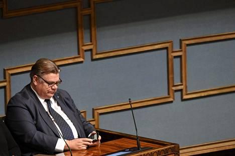 Ulkoministeri Timo Soini (ps.) eduskunnan täysistunnossa Helsingissä 18. syyskuuta.