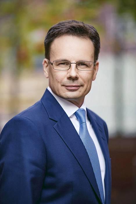 Digi- ja väestöviraston ylijohtaja Timo Salovaara myöntää, että sukuselvitykset pitäisi saada perikunnille nopeammin kuin kuudessa viikossa.