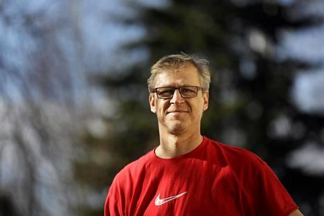 Huuhkajien päävalmentaja Markku Kanerva olisi voinut päätyä fysioterapeutiksi, mikäli ei olisi jäänyt aikanaan pisteen päähän koulutuspaikasta.