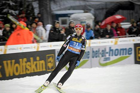 Matti Hautamäki pääsee ainoana suomalaisena ilman karsintaa Kulmin lentomäen kisaan.