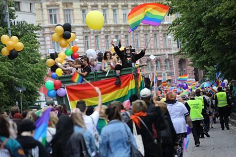 Helsinki Pride -kulkue vuonna 2018.