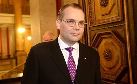 Puolustusministeri Jussi Niinistö (ps)