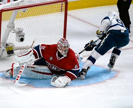 Carey Price joutui venymään läpi kauden Montrealin maalilla. Tampa Bay pudotti joukkueen pudotuspelien toisella kierroksella. Tässä maalinteossa onnistuu Steven Stamkos.